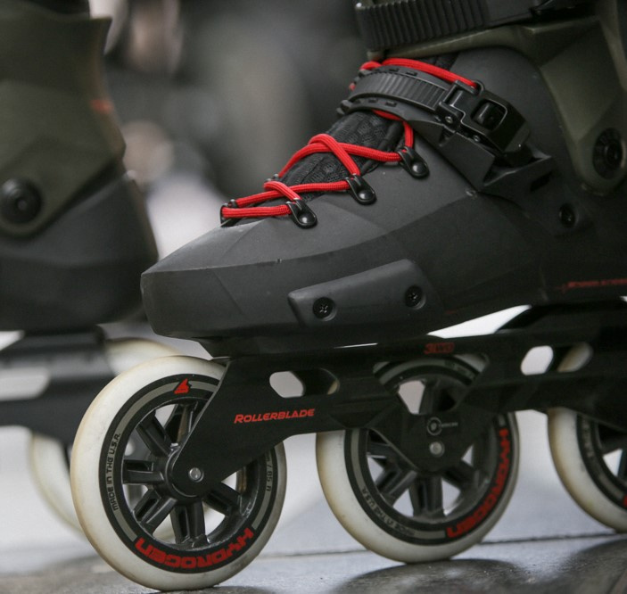 Revolution in skating occurred! Three-wheel skates are here!